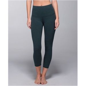 Lululemon Wunder Under Crop II size 4 - sage green
